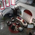 Casa Central includes a common area the faculty used for discussions and a reception on their final night. Hugo Pinto 04, a former language assistant at Central who now teaches voice in Merida, performed with a student.